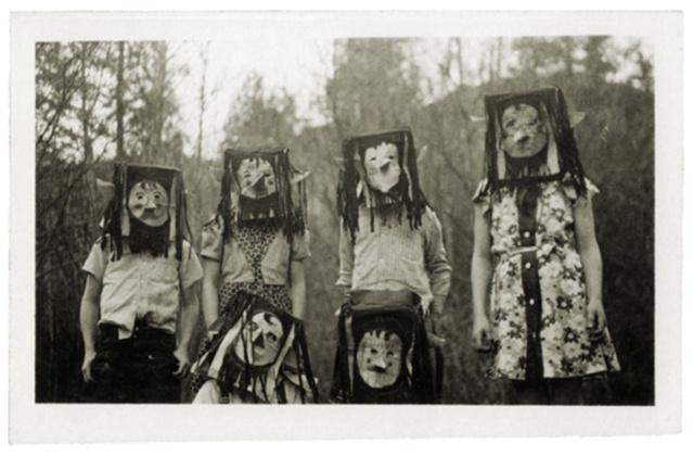 FLI Halloween 6 Very-first-scary-Halloween-photographs-4