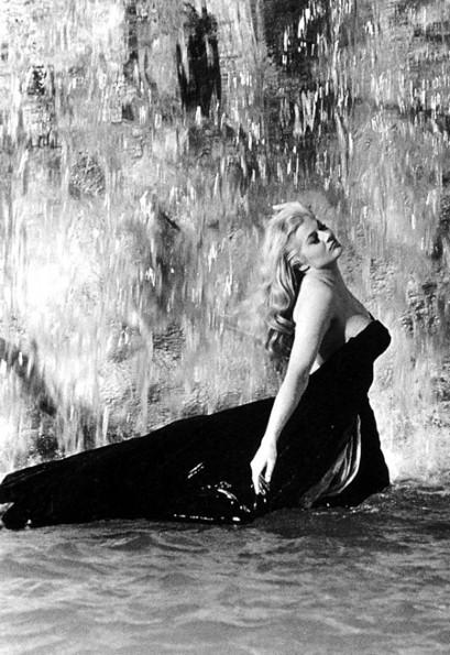 FLI Fountain DOLCEVITA-ALAMY_2463962a