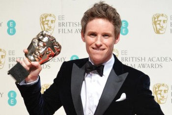 Eddie Redmayne With His 2015 BAFTA For Leading Actor