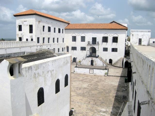 FLI St._George_Castle,_Elmina,_Ghana