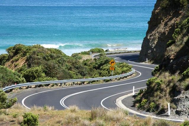 Australia: Great Ocean Road from The Twelve Apostles to Apollo Bay