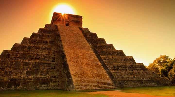FLI Mexico Chichen Itza Kukulkan Temple El Castillo Pyramid Maya