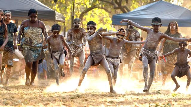 fli-australie_aboriginal-dancers